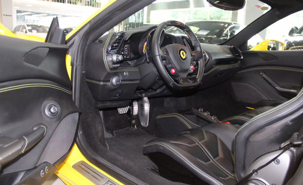 法拉利 488 GT 3.9T